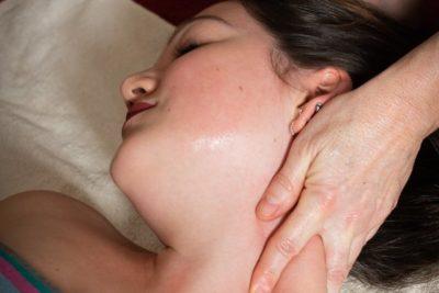 Massage-bien-être nuque